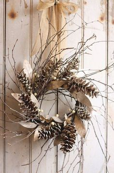 DIY christmas wreath ideas pine cones branches natural materials rustic christmas decor