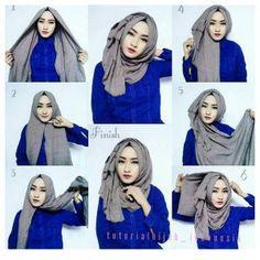 Classic Hijab Look With Volume – Hijab Fashion Inspiration – Hijab Fashion 2020 Hijab Casual, Stylish Hijab, Hijab Chic, Casual Hijab Styles, Hijab Outfit, Tutorial Hijab Segitiga, Simple Hijab Tutorial, How To Wear Hijab, How To Wear Scarves