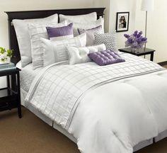 uma cama perfeitamente arrumada.