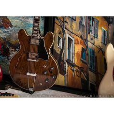 1971 #Gibson #ES335 TDW.  Painting by @stewj72.  #thinline #doublepickup #walnut #guitar #guitars #gibsonguitars #gibsunday #vintageguitars #vintagegibsons #guitarcollection #guitarphotography #fineart #stewartjones #art #oilpainting #oiloncanvas