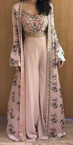 new Ideas fashion vintage vogue outfit Indian Gowns Dresses, Pakistani Dresses, Vintage Vogue, Fashion Vintage, Indian Wedding Outfits, Indian Outfits, Indian Designer Outfits, Designer Dresses, Salwar Kameez
