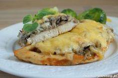 Przepis na pierś z kurczaka zapiekaną z pieczarkami i i serem. Jak zrobić Pierś z kurczaka zapiekana z pieczarkami i serem To pomysł na niebanalny i elegancki obiad. Pierś z kurczaka zapiekana z pieczarkami i serem jest bardzo s