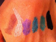 VOX MakeUp - Make Up, Cosmetici, Prove e Swatch di Trucchi Vari : Ombretto Maybelline New York Color Tattoo 24 hr n° 60 Timeless Black