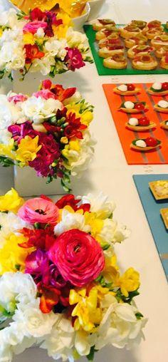 Flores e canapés by Mais Que Tudo 💚