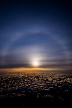 天上に架かる虹