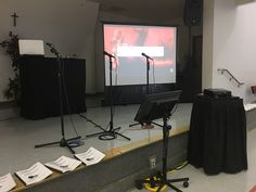 Karaoke Projection Screen and projector for Audience Stage Lighting, Lighting System, Karaoke System, Projection Screen, Furniture, Home Decor, Homemade Home Decor, Home Furnishings, Interior Design