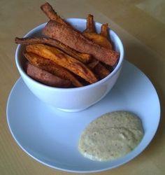Heerlijke knapperige friet van zoete aardappel uit de Airfryer - Recept: http://www.airfryerweb.nl/recepten/knapperige-friet-van-zoete-aardappel/