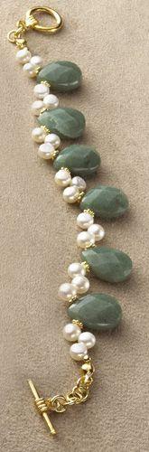 Aventurine and Pearl Bracelet Freshwater Pearl Bracelet, Pearl Jewelry, Wire Jewelry, Jewelry Crafts, Gemstone Jewelry, Beaded Jewelry, Jewelry Bracelets, Jewelery, Handmade Jewelry