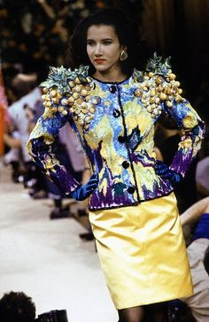 An yves saint laurent jacket from the spring/summer 1988 haute couture collection which was embroidered by mr. lesage recreated the irises of a van gogh Ysl, Christian Dior, Yves Saint Laurent Paris, Fall College Outfits, Couture Details, Fashion Details, French Fashion Designers, Crop Top And Shorts, Couture Embroidery
