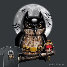 """Knight Owl"" by Vincent Trinidad Owl as the Dark knight and his Robin sidekick. Funny Owls, Funny Birds, Cute Owl Cartoon, Funny Owl Pictures, Desenho New School, Nananana Batman, Owl Artwork, Owl Wallpaper, Paper Owls"