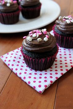 This recipe makes six super moist devil's food cupcakes, topped with a decadent chocolate frosting. I hate to admit it, but I've only made homemade cupcake batter a handful of times in my life.I know.Box mix is just so simple, so cheap, and reliable. The only problem is that I …
