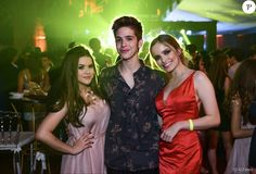 Maisa Silva, João Guilherme e Giovanna Chaves foram convidados para o baile de 15 anos de Fernanda Concon