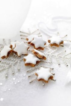 Zimtsterne (cinnamon stars) - traditional German Christmas cookies. #IntDesignerChat