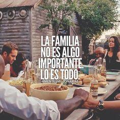 Es todo. La familia es la que te apoya, sea de sangre o no. Con confianza, de apoco y con amor, sobre todo, se va construyendo una gran familia que te va a apoyar ♡