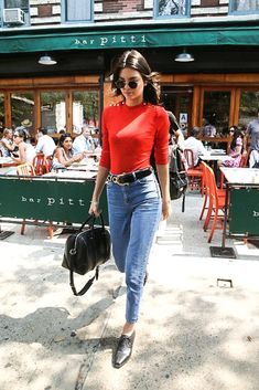 Kendall Jenner: The Ultimate Model Street Style. #streetstyle #styleguide #styleicons #kendalljenner #lookbook