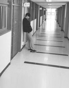 lee jong suk / school 2013 Korean Drama Movies, Korean Actors, Drama School, School 2013, Lee Jong Suk, Dramas, Idol, Scene, Entertainment
