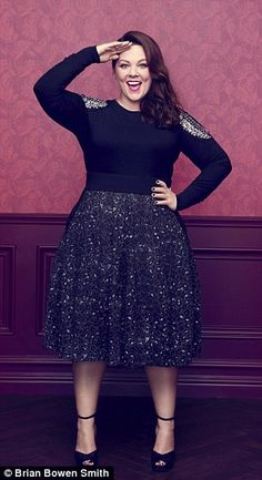 Melissa McCarthy is packed with holiday party outfit ideas that will… Curvy Girl Fashion, Plus Size Fashion, Womens Fashion, Holiday Party Outfit, Holiday Outfits, Holiday Clothes, Holiday Fashion, Look Plus Size, Plus Size Women