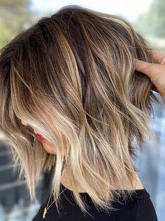 Angled Bob Haircuts, Thin Hair Haircuts, Short Ombre Hairstyles, Bob Haircut Fine Hair, Fine Hair Bobs, Ombre Bob Haircut, Brown Bob Haircut, Short Textured Haircuts, Medium Fine Hair