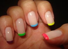 Loving this multicolored mani!