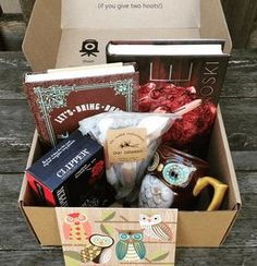 OwlCrate is a subscription service that sends you magical monthly boxes tailored to a chosen theme. Each OwlCrate will contain one new Young Adult novel, as well as other bookish treats to help you get your nerd on. Monthly Crates, Best Monthly Subscription Boxes, Gifts For Readers, Gift Baskets, Book Baskets, The Book, Birthday Gifts, Owl, Gift Boxes