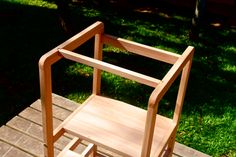 Learning tower - Torre de aprendizado - Montessori Handmade Furniture, Kids Furniture, Montessori, Learning Tower, Outdoor Chairs, Outdoor Decor, Design, Solid Wood, Sink Tops