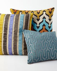 -5K8Y Cantrice Pillows