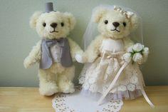 BLWM-2588 ロイヤルアイボリーベア完成品<シェリーマリエ・ウェルカムアニマルコーナー>http://www.tedukuri-wedding.com/mall/bear/kansei/clover/wm2588.html