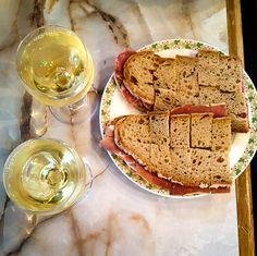 Au Sauvignon Wine Bar & Café in Paris | davidlebovitz.com