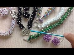*****PUNTO CERO CON CRISTALES EN CROCHET******* - YouTube Jewelry Art, Beaded Jewelry, Beaded Bracelets, Crochet Bracelet, Bead Crochet, Crochet Designs, Crochet Patterns, Wire Crafts, Wire Wrapped Jewelry