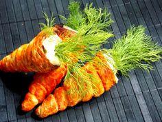 Morcovi din foietaj umpluţi cu salată de ouă - simonacallas Cooking Tips, Cooking Recipes, Romanian Food, Food Art, Carrots, Food And Drink, Appetizers, Sweets, Snacks