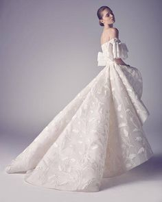 ZsaZsa Bellagio – Like No Other: Wedding Gown Gorgeous