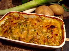 Kartoffel Porree Auflauf: einfach , schnell und sehr leckerDieser Kartoffel- Porree- Auflauf ist schnell gezaubert und wird bestimmt viele begeistern