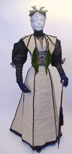 """FC0302 Dress, wool, silk, velvet, glass beads, tulle, and lace, labelled """"Worth"""", mid-late 1890s"""