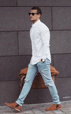 chelsea style boot Jeans – Men's style, accessories, mens fashion trends 2020 Streetwear, Travel Attire, Mode Man, Look Street Style, Herren Outfit, Popular Mens Fashion, Trendy Mens Fashion, Men Street, Mode Style