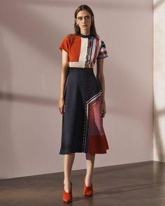 The complete Prabal Gurung Pre-Fall 2017 fashion show now on Vogue Runway. Fashion Moda, Fashion Week, Fashion 2017, Runway Fashion, High Fashion, Fashion Show, Fashion Outfits, Womens Fashion, Fashion Design