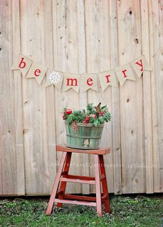 "Handmade Burlap and Felt Christmas ""Be Merry"" Flag Pennant"