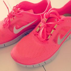 66488bbadb3a Hot Punch Nikes pink Nike Water Shoes
