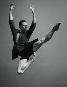 Ukrainian ballet dancer Sergei Polunin is photographed by Jacob Sutton and styled by Jean Michel Clerc for the latest issue of Numéro Homme magazine. via Sergei Polunin by Jacob Sutton Contemporary Dance, Modern Dance, Male Ballet Dancers, Dancers Feet, Belly Dancing Classes, Poses References, Dance Movement, Fred Astaire, Ballet Photography