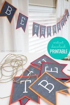 Decorate for Thanksgiving using this simple printable Be Thankful Banner | Thanksgiving Printable Garland via shop.remodelahlic.com #printable #thanksgiving #banner #givethanks #printables #bethankful