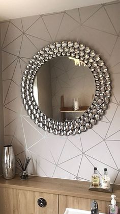 I Love Wallpaper Zara Shimmer Metallic Wallpaper in Soft Grey, Silver A Stunning and Iconic Geometri Metallic Wallpaper, Wallpaper Decor, Bathroom Wallpaper Grey, Living Room Wallpaper, Soft Wallpaper, Bathroom Design Small, Bathroom Interior Design, Living Room Designs, Living Room Decor