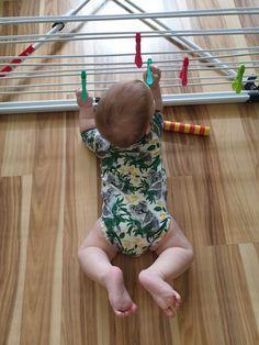 Infant Sensory Activities, Baby Sensory, Newborn Baby Tips, Montessori Baby, Baby Boom, Baby Play, Baby Hacks, Fun Games, Teaching Kids