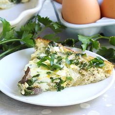 Kale & Feta Crustless Quiche This crustless quiche is such an easy low-carb meal that can be served for breakfast/brunch, lunch or dinner. You'll love the delicious combination of kale, onions, mushrooms and feta. Kale Recipes, Quiche Recipes, Brunch Recipes, Low Carb Recipes, Breakfast Recipes, Vegetarian Recipes, Cooking Recipes, Healthy Recipes, Cooking App