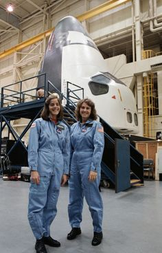December 26, 1985 – Teacher-in-Space icon Christa McAuliffe (right) and her backup Barbara Morgan pose for a photo after training in a space shuttle mockup at Johnson Space Center, Houston, Texas. One month later, McAuliffe would die in the Challenger disaster.