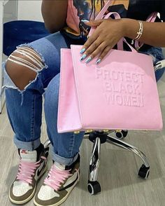 Swag Outfits For Girls, Cute Swag Outfits, Girl Outfits, Luxury Purses, Luxury Bags, Mode Streetwear, Streetwear Fashion, Fashion Bags, Fashion Shoes