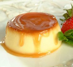 Dessert Recipe: Fantastic Flan Also known as Creme caramel or caramel custard, Flan is a decidedly Western European dish. Its name is French, but the dish most of us in America call flan comes from. Mexican Food Recipes, Sweet Recipes, French Dessert Recipes, Cream Cheese Flan, Köstliche Desserts, Spanish Desserts, Filipino Desserts, Mousse, Sweet Treats