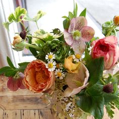 Bouquet with Hellebores creates a wonderful wildflower mix feeling for a whimsical and/or natural wedding.
