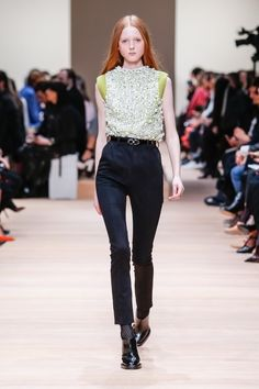 Carven – Paris Fashion Week 2015 Trendreport - die Kollektionen der Modedesigner im Überblick. flair berichtet live von der Paris Fashion Week. Dieser Artikel aktualisiert sich regelmäßig