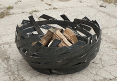 ERTA contemporary and unique firepit. A stunning centre piece. Each pit has a numbered tag. This modern fire pit will last a lifetime. Fire Pit Art, Metal Fire Pit, Fire Pits, Fire Pit Gravel, Garden Fire Pit, Fire Pit Materials, Modern Fire Pit, Fire Pit Designs, Steel Art