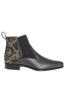 stud back pointed boot by CHLOé