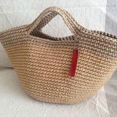 Get easy-to-understand data an Crochet Clutch, Crochet Purses, Knit Crochet, Crochet Bags, Crochet Market Bag, Macrame Bag, Craft Bags, T Shirt Yarn, Knitted Bags